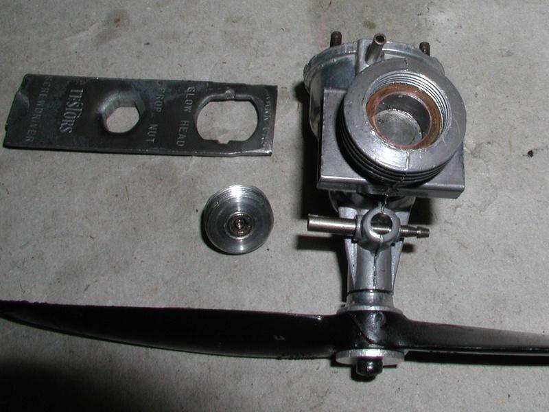 Interesting vintage engine. Fury Twin Stack  Fury_e17