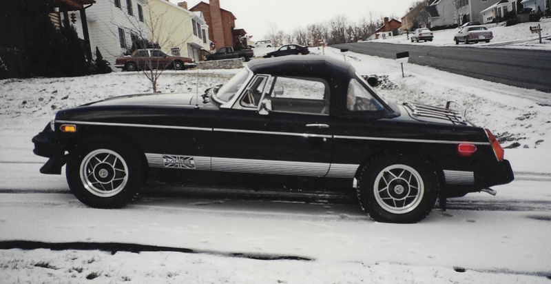 Cars, cars, and more cars Mgb-le10