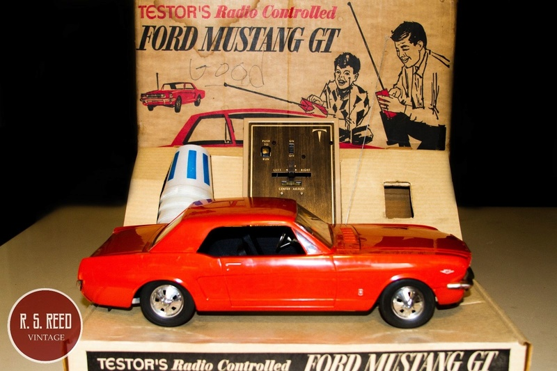1964 Ford Mustang coupe Factory Radio Controlled Car ??? Mustan15