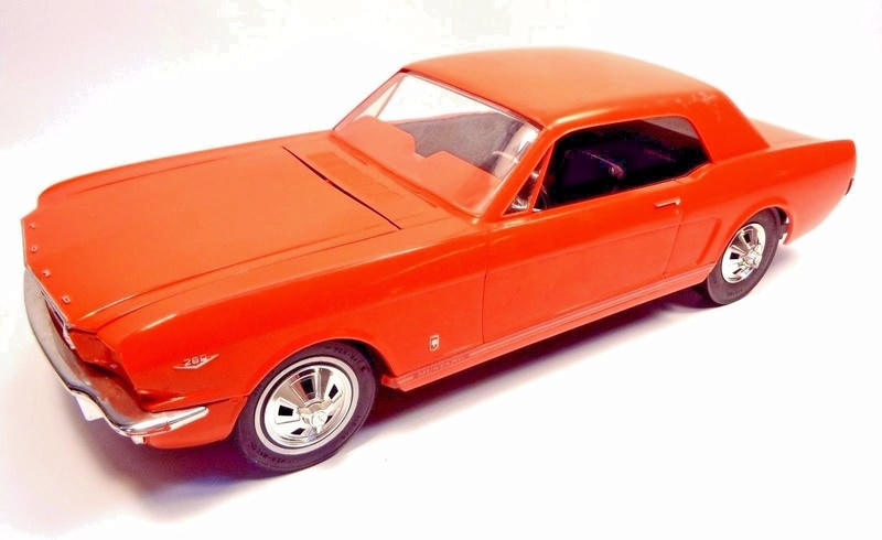 1964 Ford Mustang coupe Factory Radio Controlled Car ??? Wen_mu12