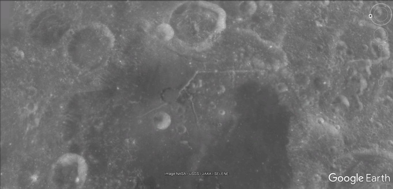 Sur la lune [Google Sky] 89c59_18