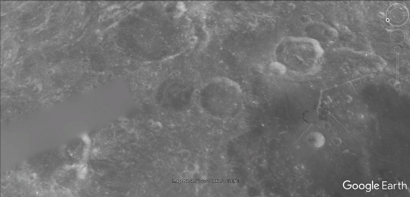 Sur la lune [Google Sky] 89c59_19