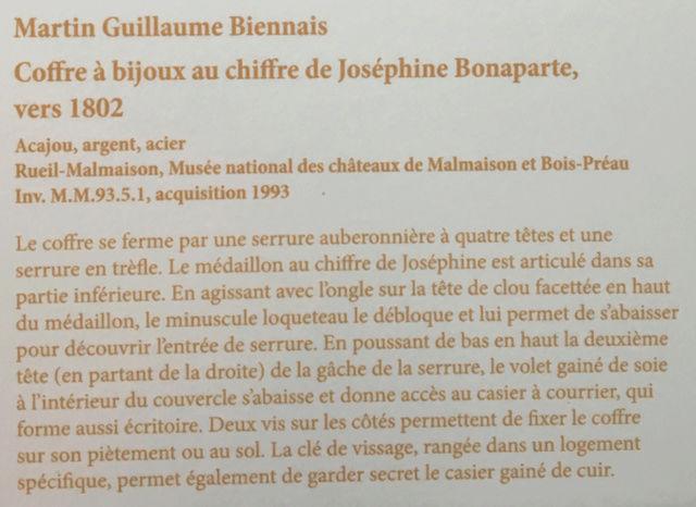 Rueil-Malmaison : Meubles à secrets, secrets de meubles Captu427