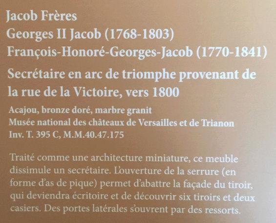 Rueil-Malmaison : Meubles à secrets, secrets de meubles Captu431
