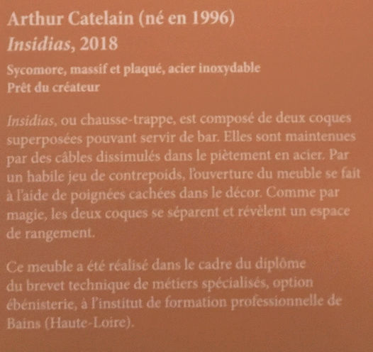 Rueil-Malmaison : Meubles à secrets, secrets de meubles Captu442