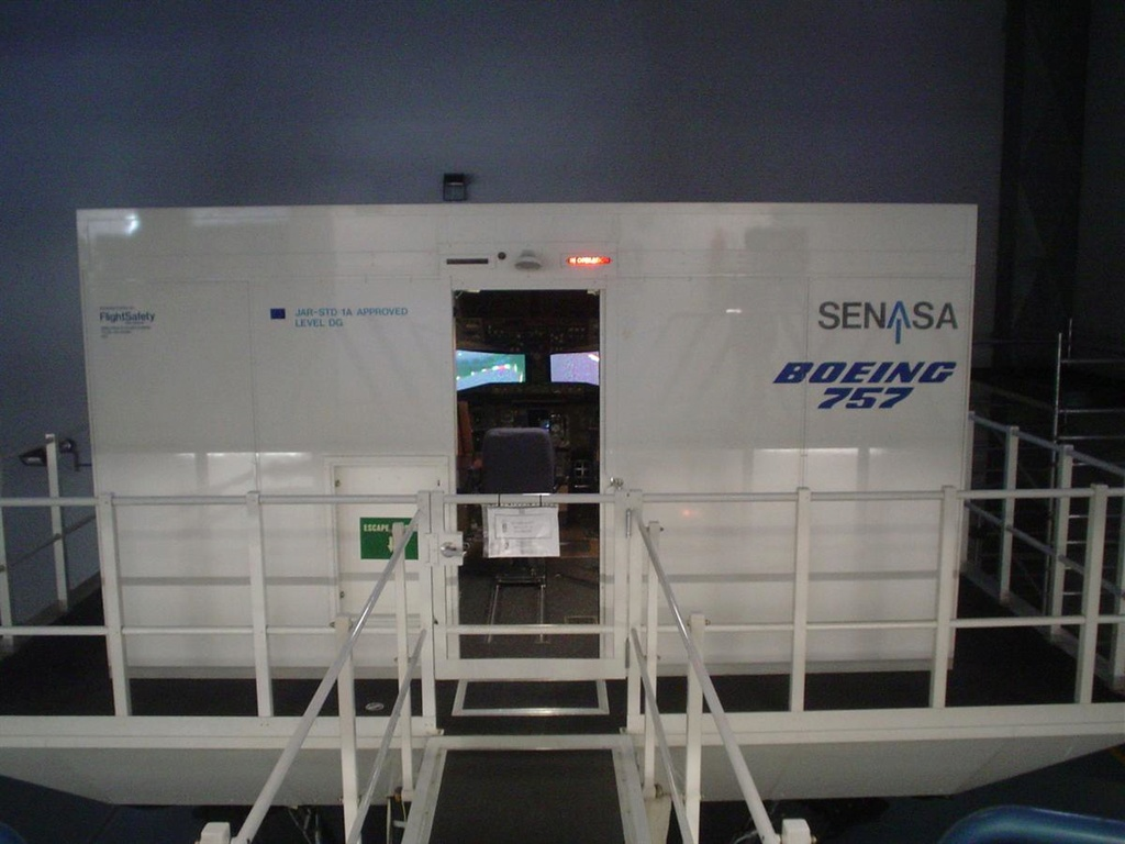 Mi primera experiencia en simulador de vuelo real....(737NG) Foto_110