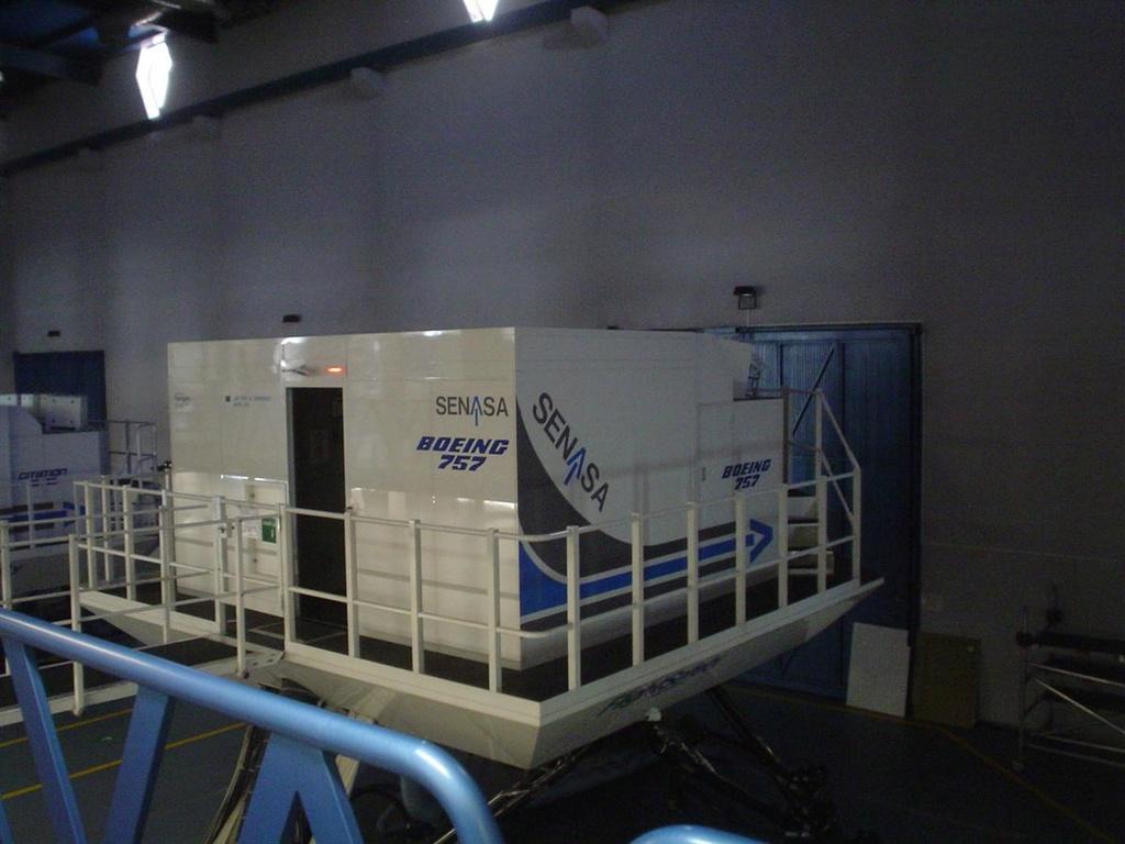 Mi primera experiencia en simulador de vuelo real....(737NG) Foto_111