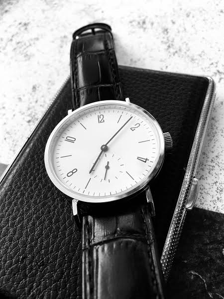 """budget - Le club des heureux propriétaires décomplexés de montres """"hommage"""" - Page 18 Unnam143"""
