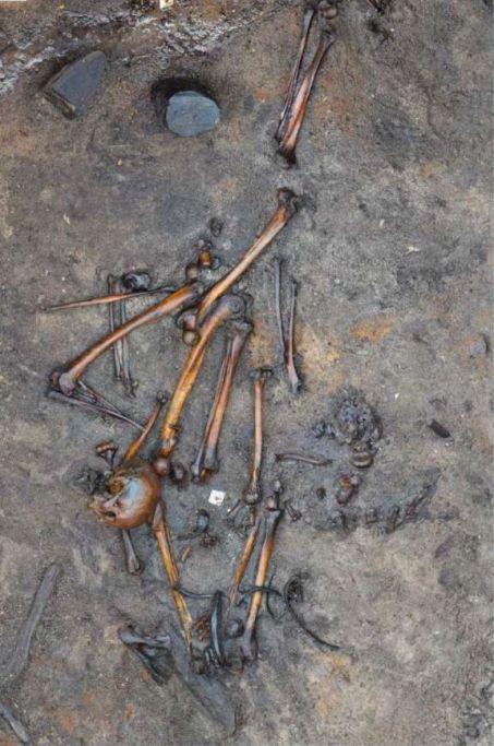 Archéologie - Page 6 W453-910