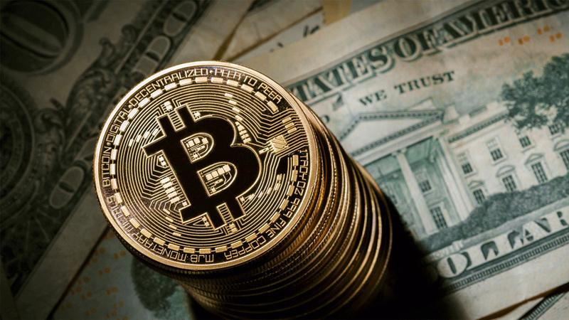 BITCOIN versus GOLD  Bitcoi10