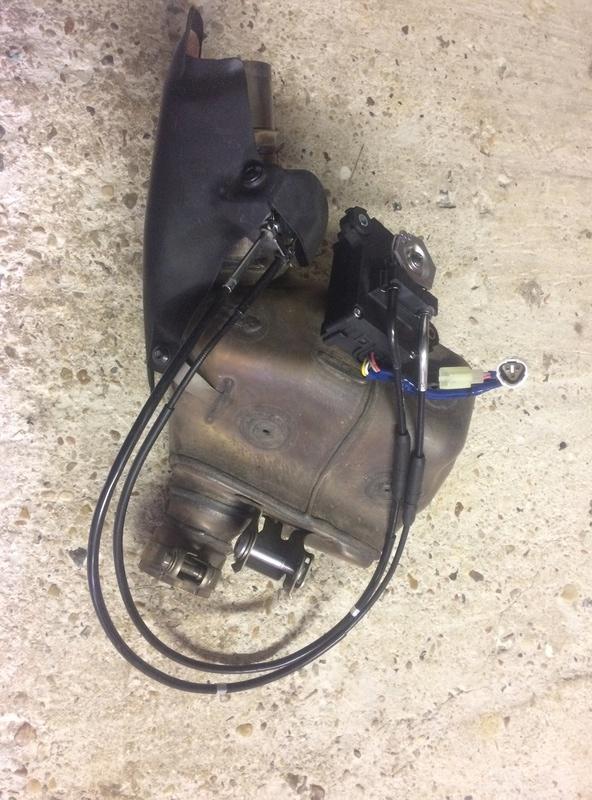 Retrait boîte à fumée et moteur de valve Img_0515