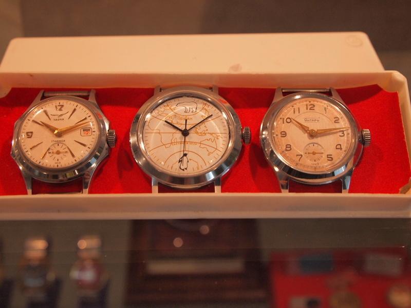 Répertoire des marques des montres soviétiques - Page 2 Buran10