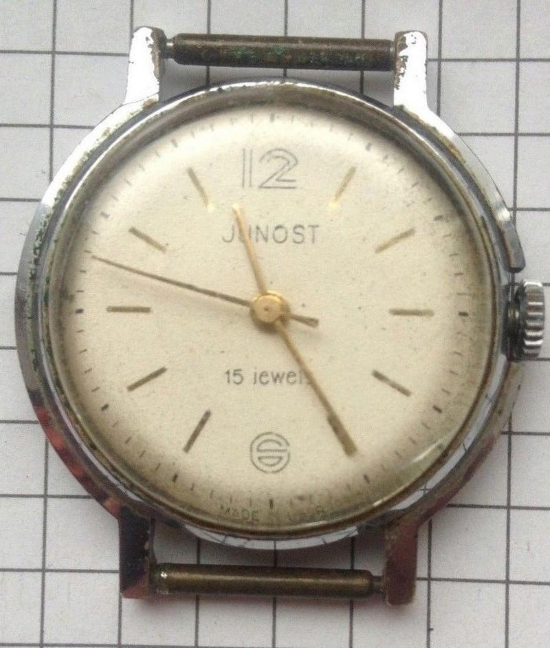 Répertoire des marques des montres soviétiques - Page 2 Junost10