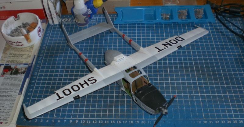 Fertig - die O-2A skymaster, 1/32, RODEN, von oluengen359 Cimg5613