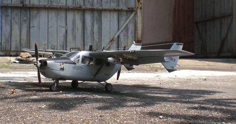 Fertig - die O-2A skymaster, 1/32, RODEN, von oluengen359 Cimg5623