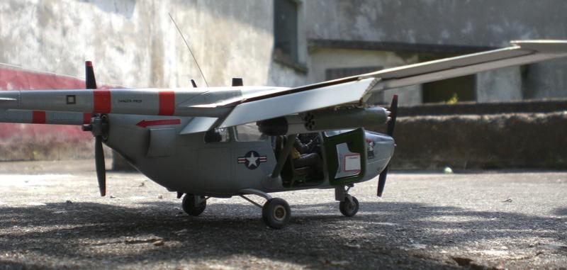 Fertig - die O-2A skymaster, 1/32, RODEN, von oluengen359 Cimg5624