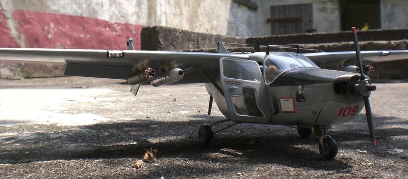 Fertig - die O-2A skymaster, 1/32, RODEN, von oluengen359 Cimg5625