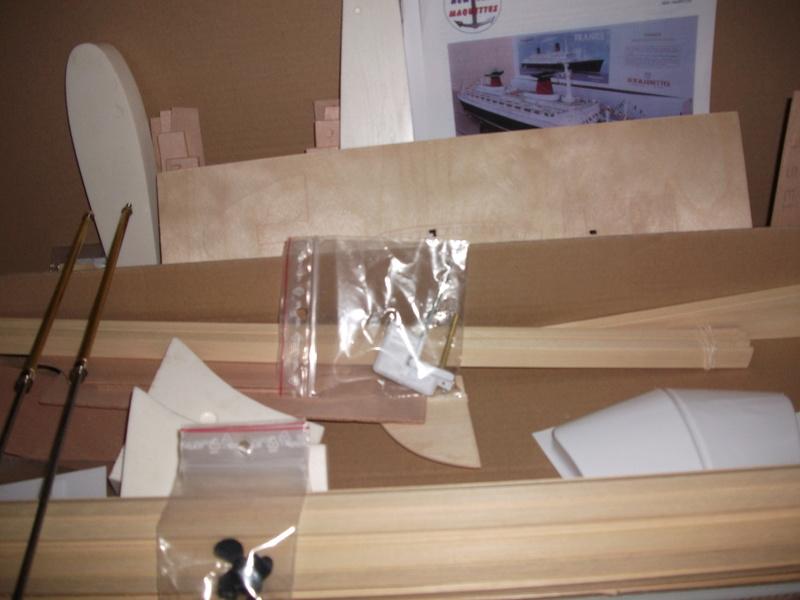 Le FRANCE  1/200°   New Cap Maquettes par Calpe Dscf3941
