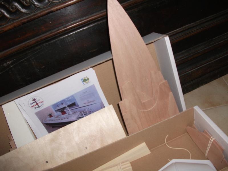 Le FRANCE  1/200°   New Cap Maquettes par Calpe Dscf3942