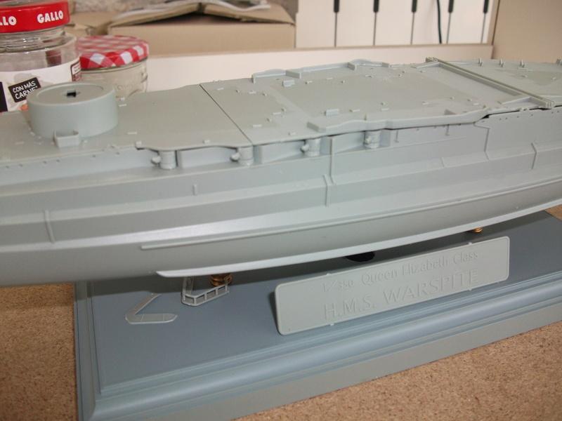 HMS WARSPITE 1/350 ème Academy édition spéciale Dscf4011