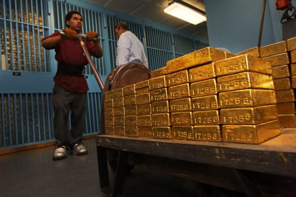 Cập nhật tin tức thị trường vàng hàng ngày cùng FXPRO - Page 3 01_42-10