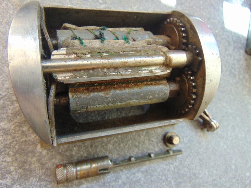 Restaurer un affûteur de lames Dsc05626