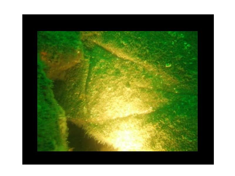 Mystère : une pyramide engloutie à 23 mètres de profondeur près de l'île LONGUE Sans1595