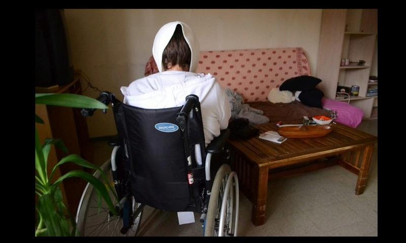 Élan de solidarité pour une handicapée privée d'électricité Sans_281
