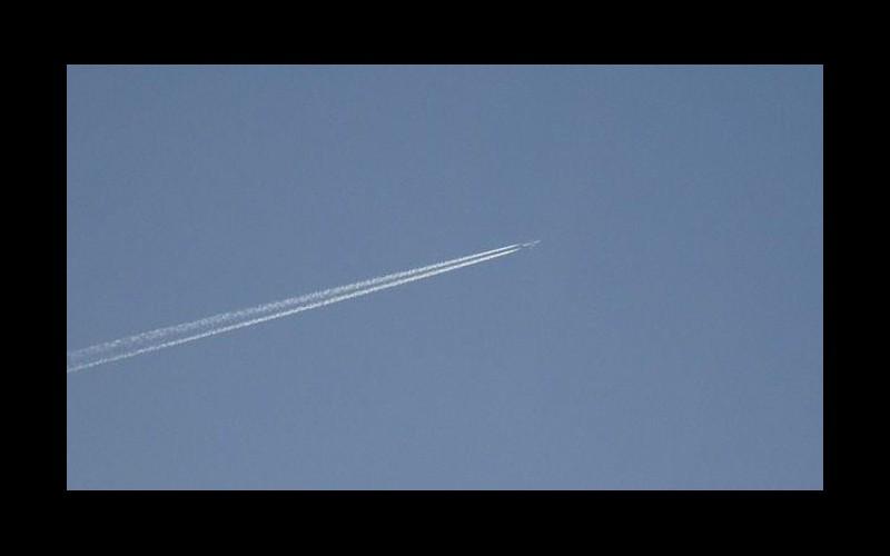 L'armée de l'air américaine tente d'intercepter un ovni Sans_303