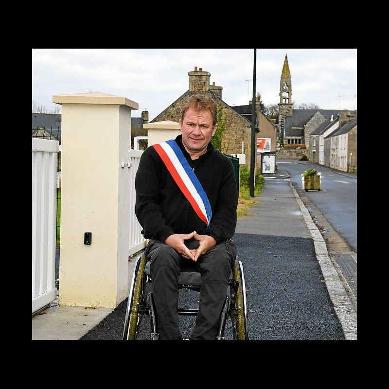 Handicap. Yann Jondot, un maire courage à Paris  Sans_457
