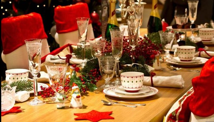 La période des Fêtes est autant synonyme de traditions de Noël que de réjouissances. Sans_480