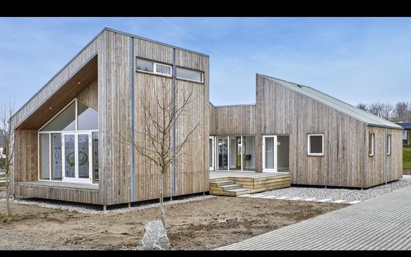 Voici la première maison au monde construite à base d'herbe, de paille et d'algues  Sans_920