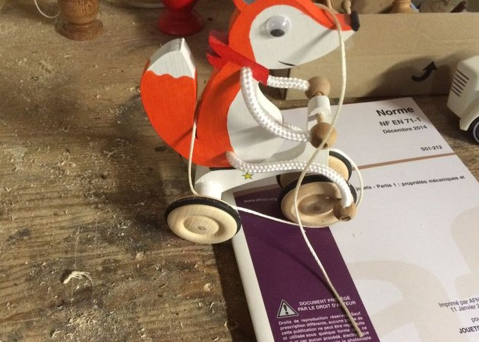 St Geyrac : Le fabricant de jouet artisanal poussé à la fermeture pour une question de normes Sans_925