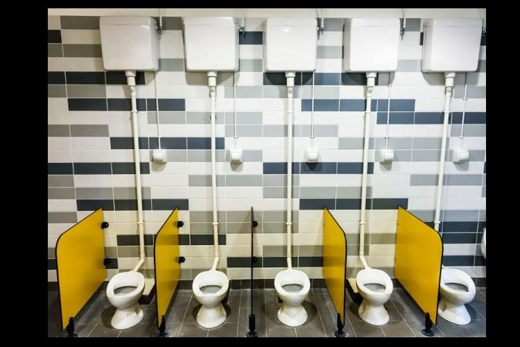 A l'école, les élèves ne veulent plus aller aux toilettes Sans_t15