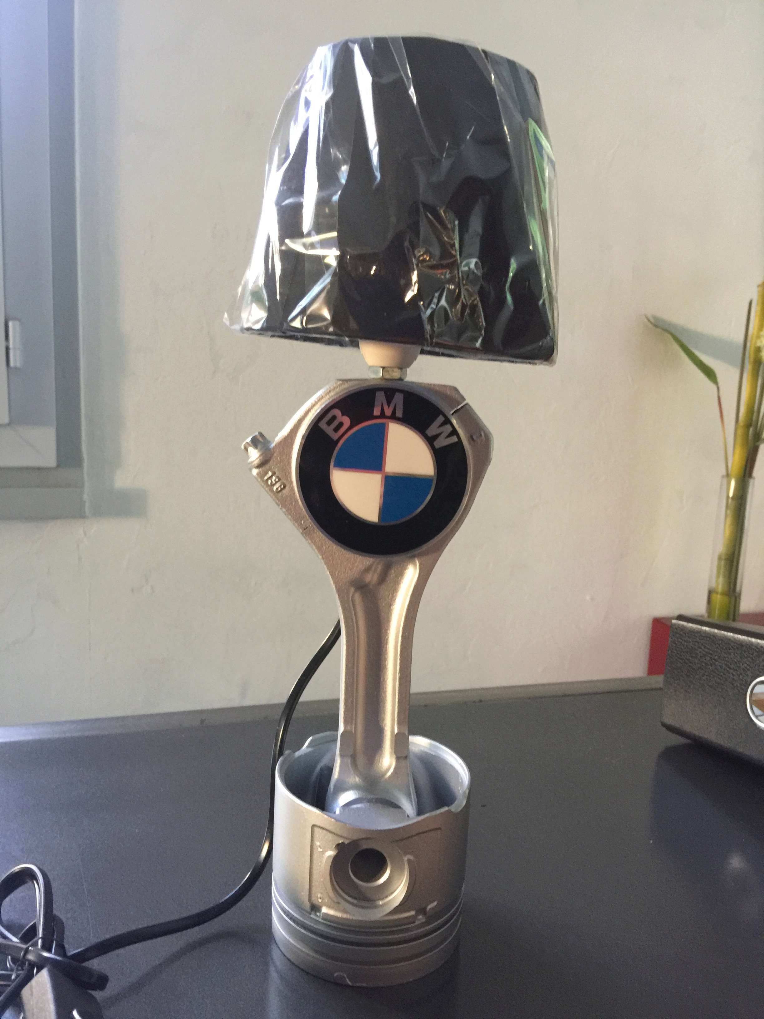 lampe deco BMW - Page 2 Lampe_10