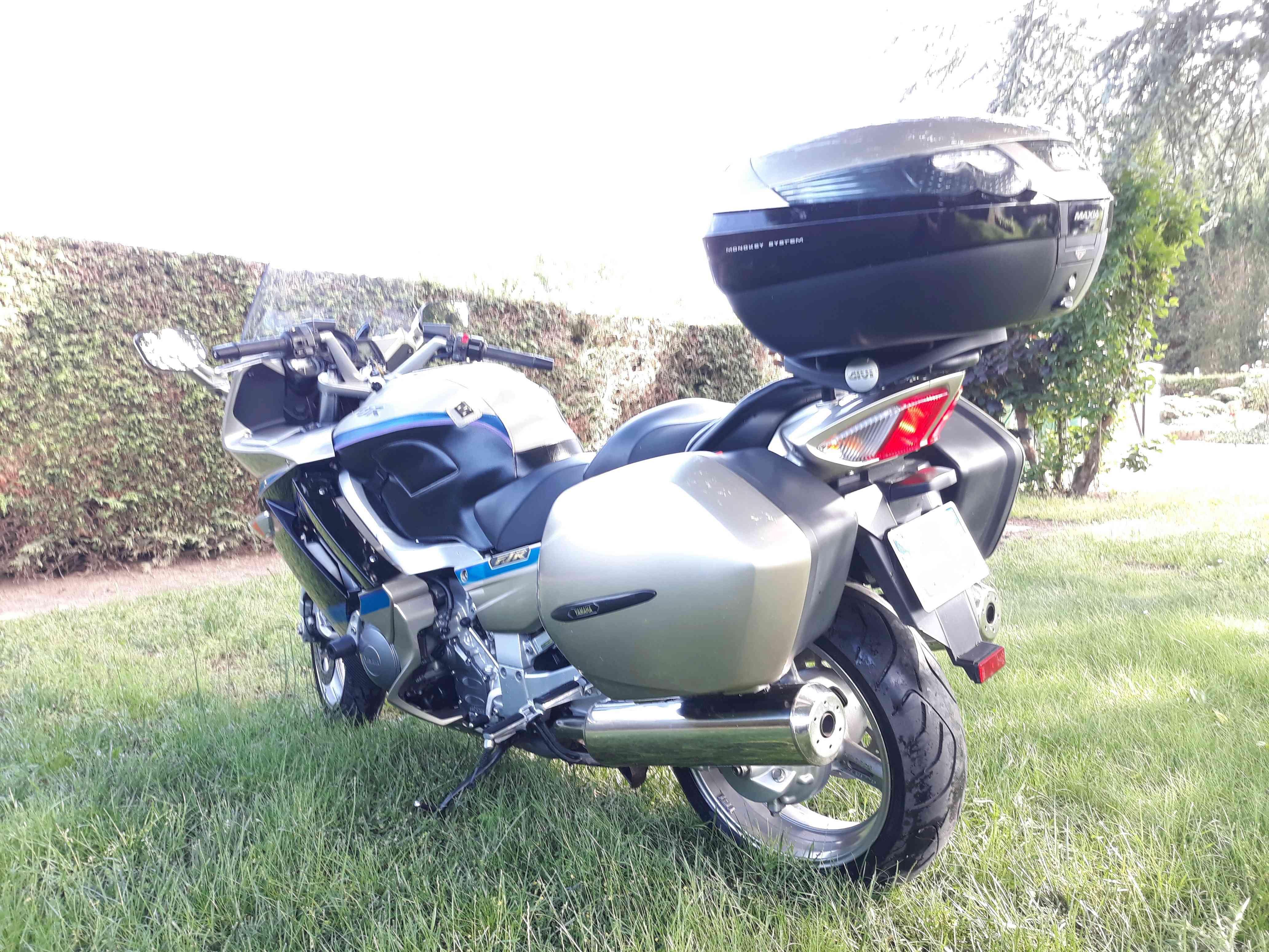 Vends FJR 1300 Limited Février 2009 8000€ [VENDU] Fjr00510