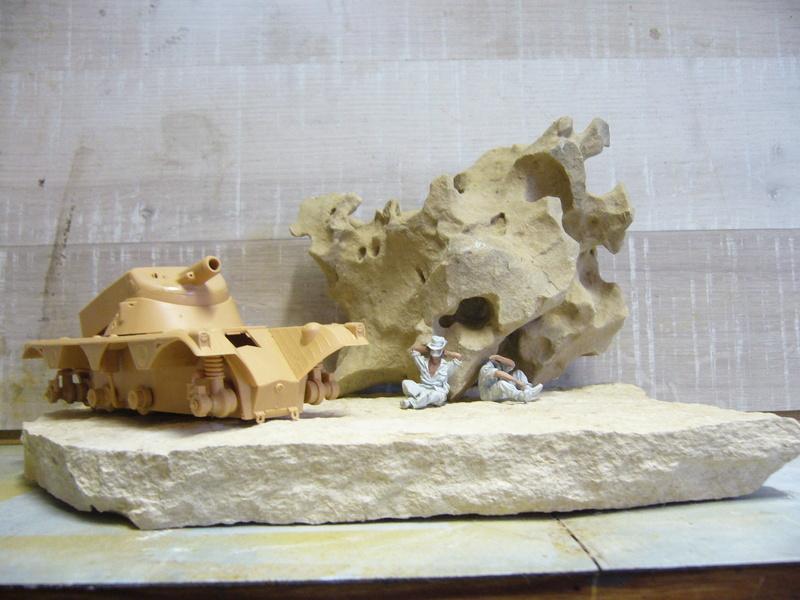 Panhard EBR 10 Hobby Boss 1/35 + figurines U-Models et Chota Sahib/Azimut et Master Box P1040422