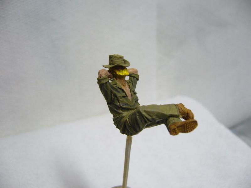 Panhard EBR 10 Hobby Boss 1/35 + figurines U-Models et Chota Sahib/Azimut et Master Box - Page 2 P1040517