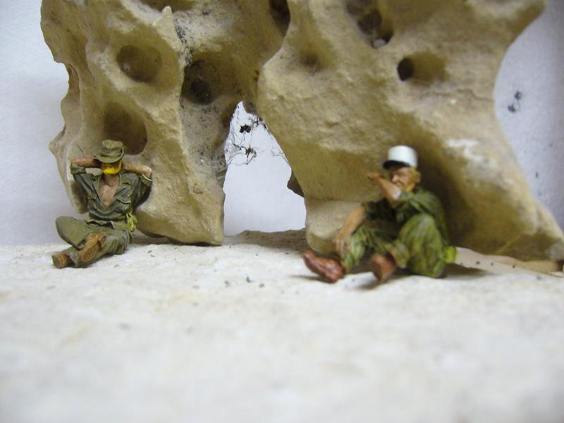 Panhard EBR 10 Hobby Boss 1/35 + figurines U-Models et Chota Sahib/Azimut et Master Box - Page 3 P1040524