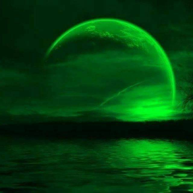Зелений  Місяць 20 квітня 2018 року.  30708610