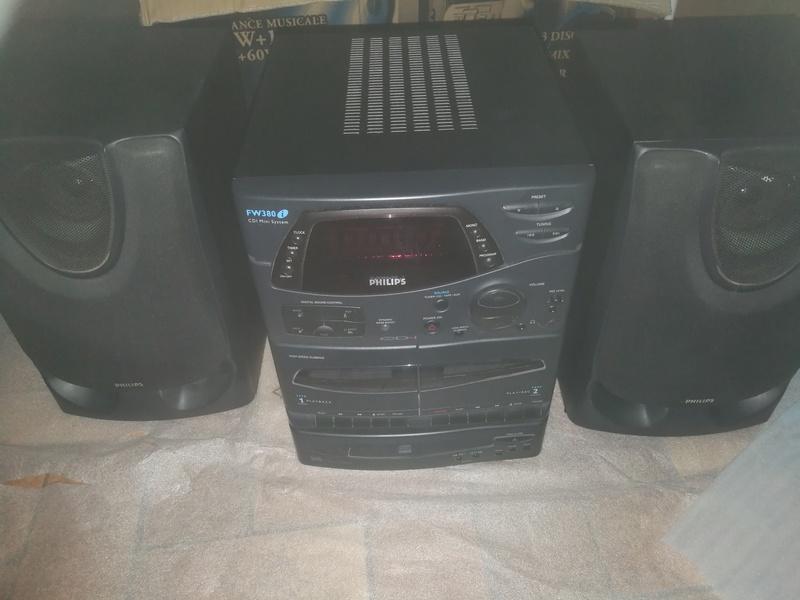[ESTIM] CD-I 450 complet et le très rare FW380i ! (CD-I intégré à chaine hifi) Img_2201