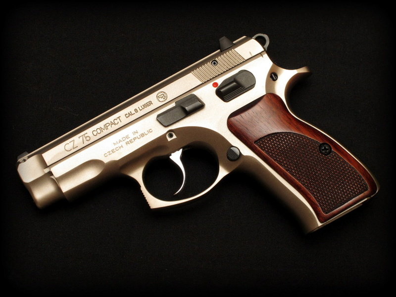 Knives and the Modern Shooter - Page 2 Cz75_c10