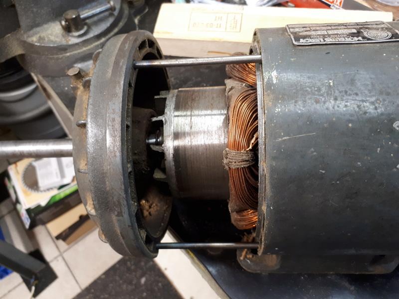 OPERATION A COEUR OUVERT (ou plutôt moteur ouvert) 20171174