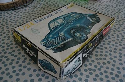 Renault 4 ch 1/24  Heller Imgp0117