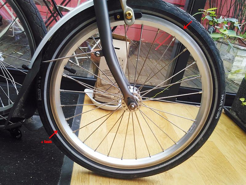 Pose de pneu : déformation ou inédaquation avec la jante Img_2016