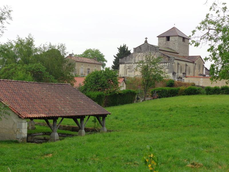 Dordogne (24) St Aulaye / Lavoirs Dsc01510