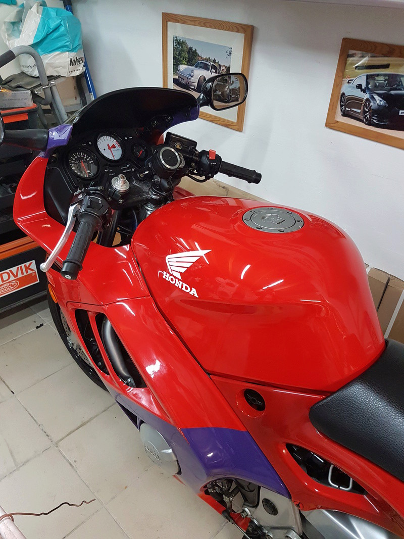 Salut a tous - Page 2 Moto210