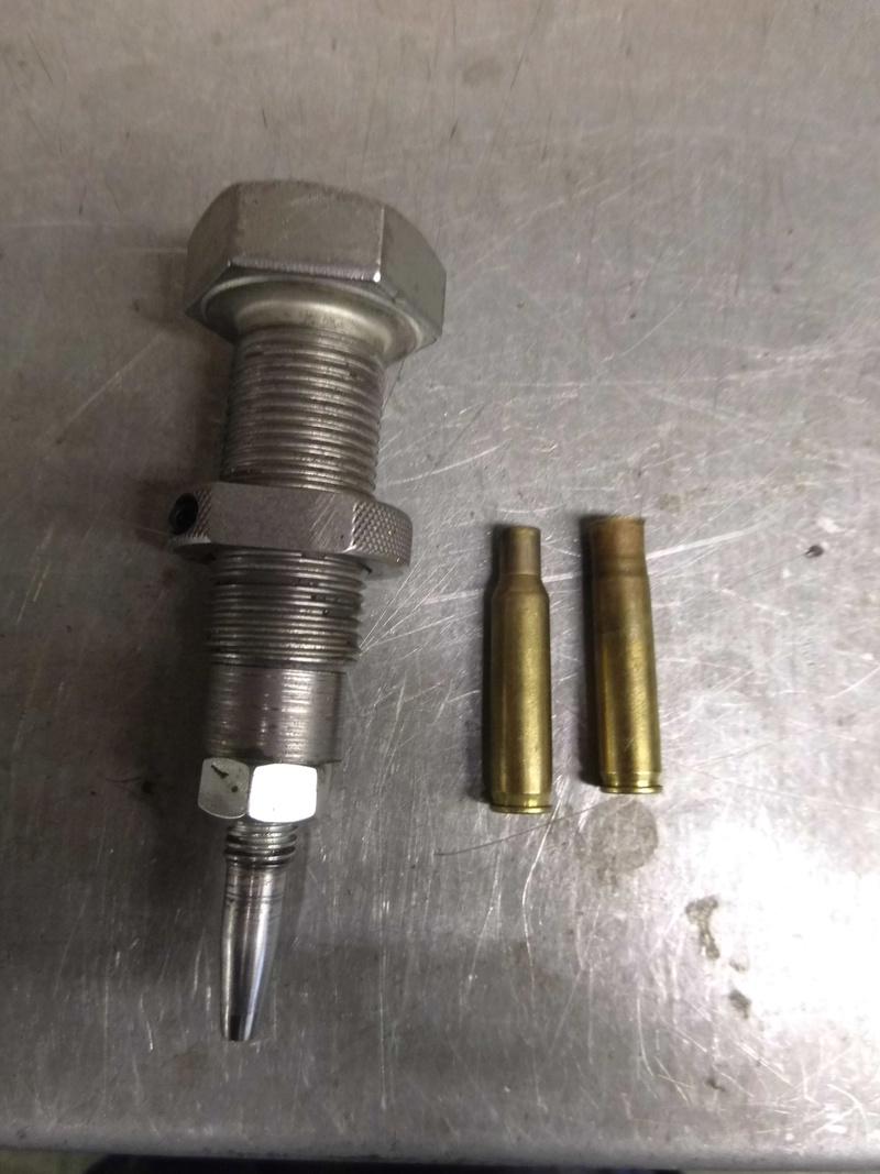 former des douilles et recharger du 577/450 Martini Henry  - Page 4 Dsci0610