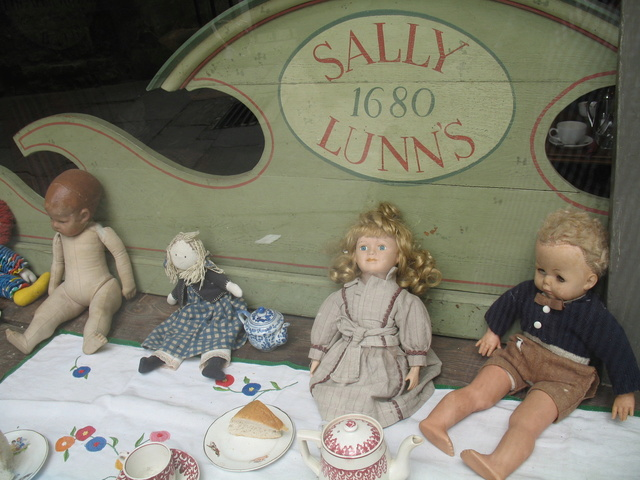 Petites inconnues aperçues en Angleterre Img_0011