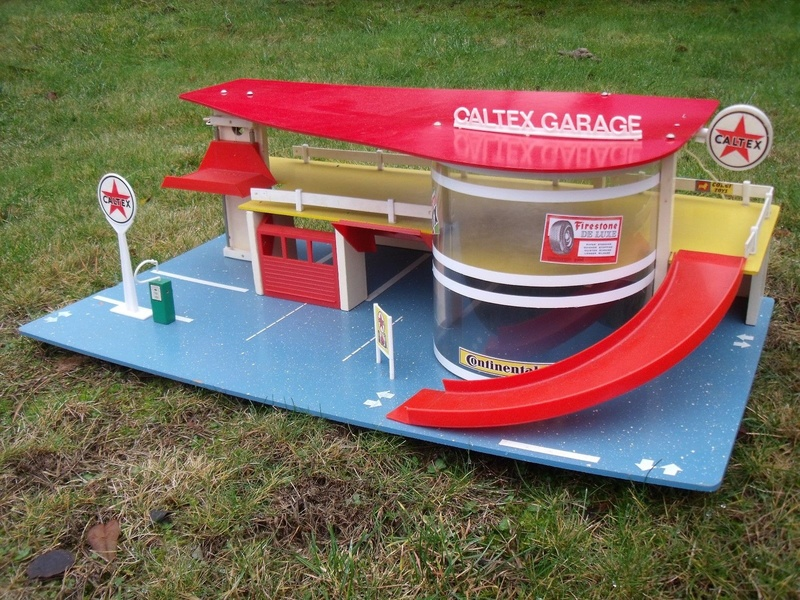 Garages jouets - Toys garage - Page 3 1116